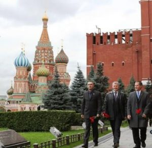 Is the U.S. too naïve to be friends with Russia? Expedition 33 prime crew members at Kremlin Wall September 25, 2012. Courtesy NASA.