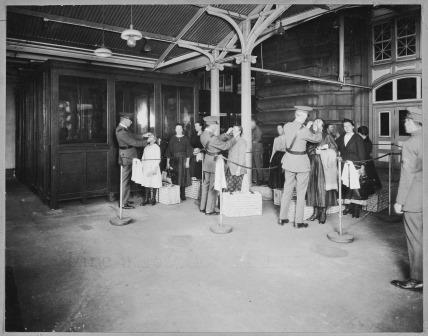 Ellis Island. Courtesy National Archives.